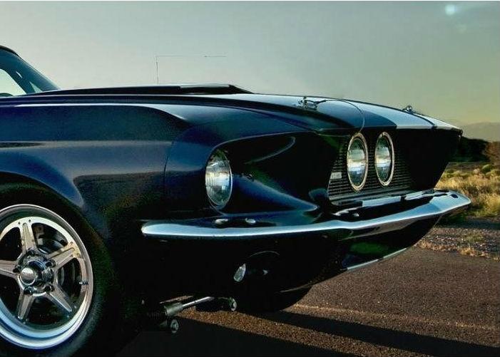Immagine di un' auto d' epoca identificativa del pulsante batterie di avviamento auto e moto storiche