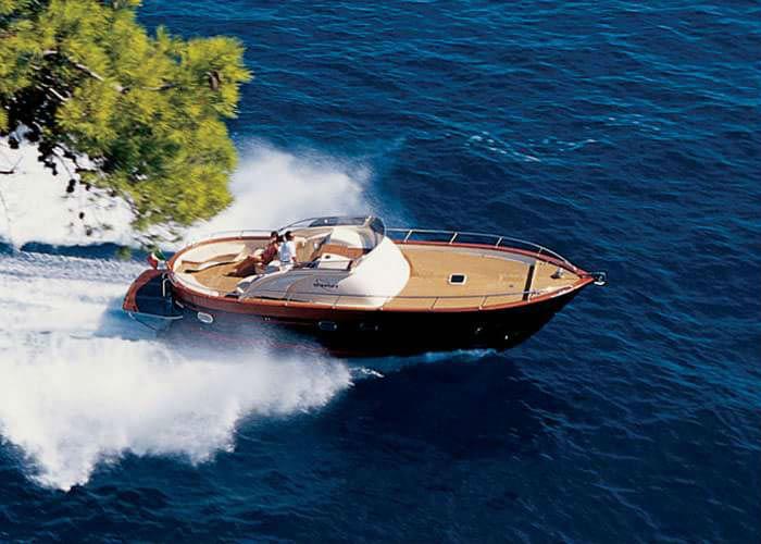 immagine di una barca rappresentativa del pulsante batterie nautica