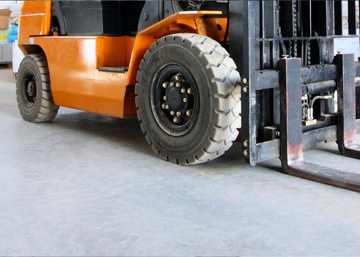 immagine di un muletto rappresentativa della categoria batteria trazione pesante